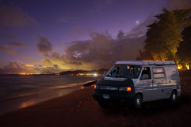 Romantic evening in Hawaii. Volkswagen Eurovan 1999