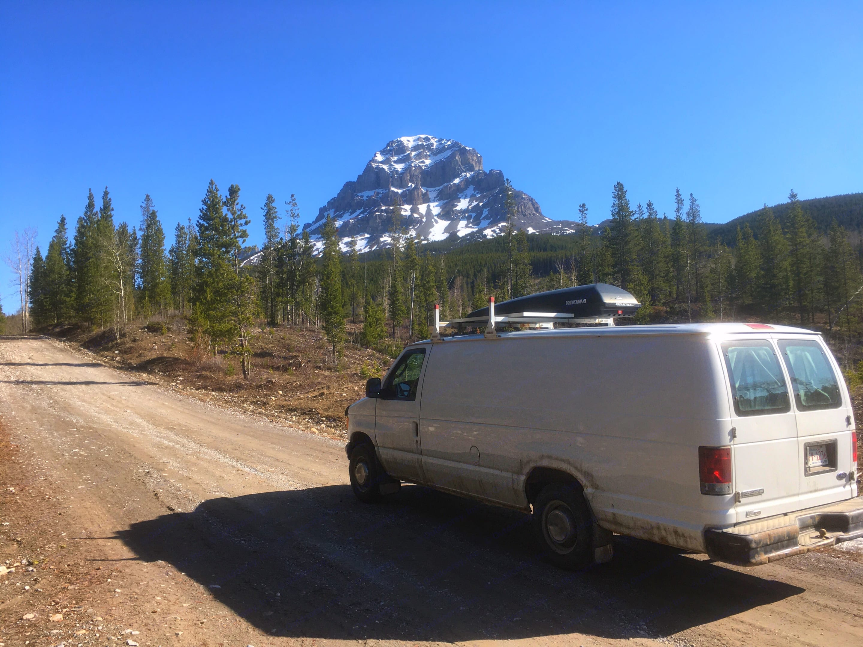 Driving to hike Crowness Mountain. Ford Econoline Extended 2006