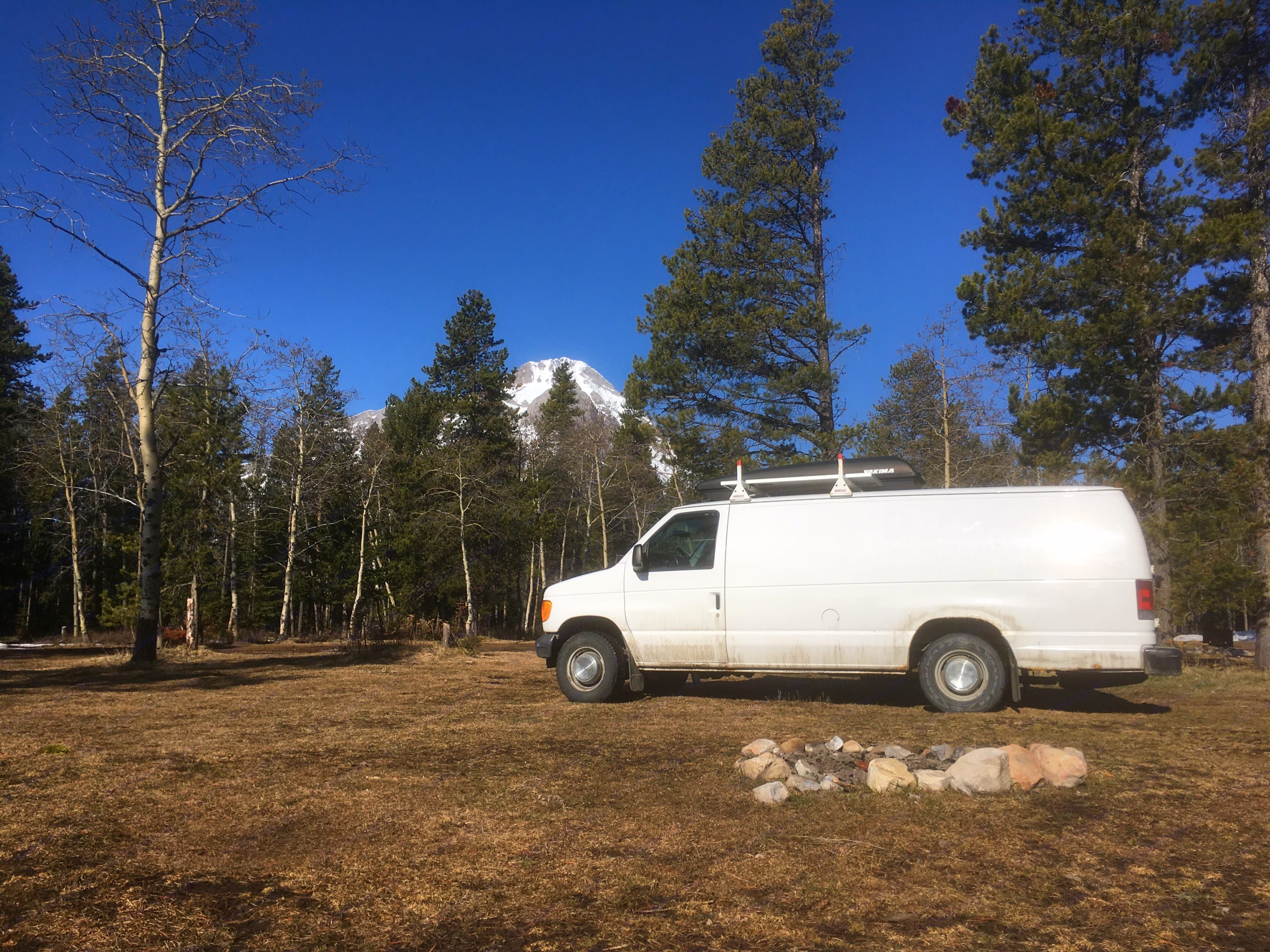 Off grid Campgrong. Ford Econoline Extended 2006