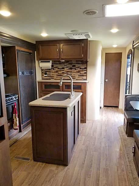 kitchen w/ island. Venture Sporttrek 237VIK bunkhouse 2017