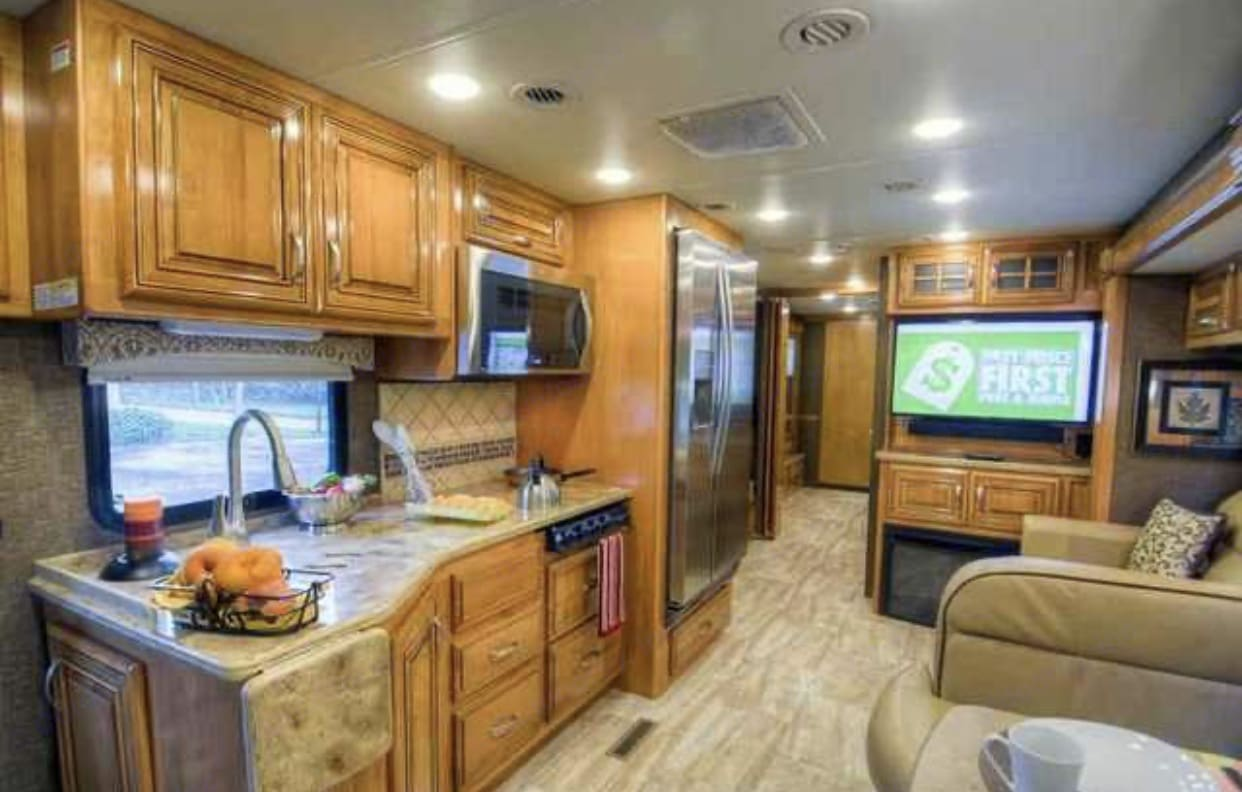 So much room for activities!!!!!. Thor Motor Coach Challenger 2016