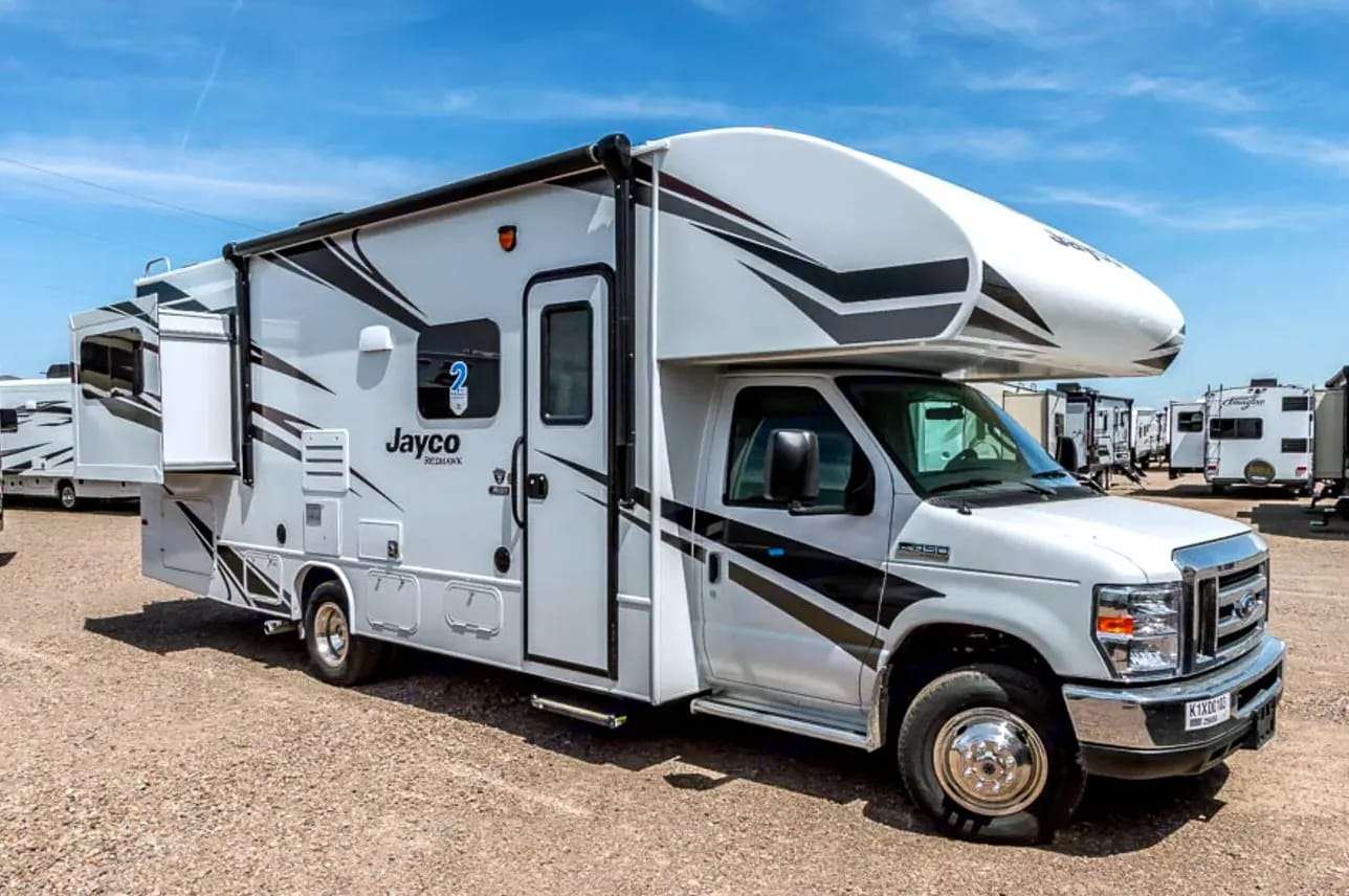 28ft fits perfectly in National park camping spots. Jayco Class C Motorhome 2019