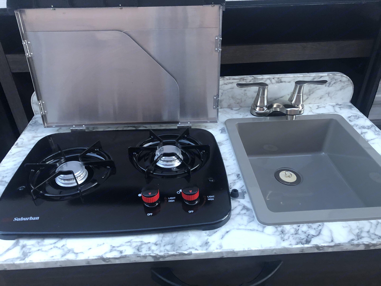Outdoor kitchen. Jayco Jay Flight 2020