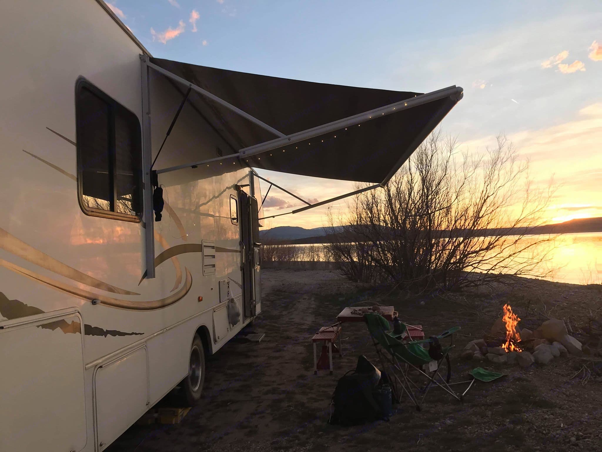 Relaxing as the sun sets. Gulf Stream Conquest Ultra C 2005