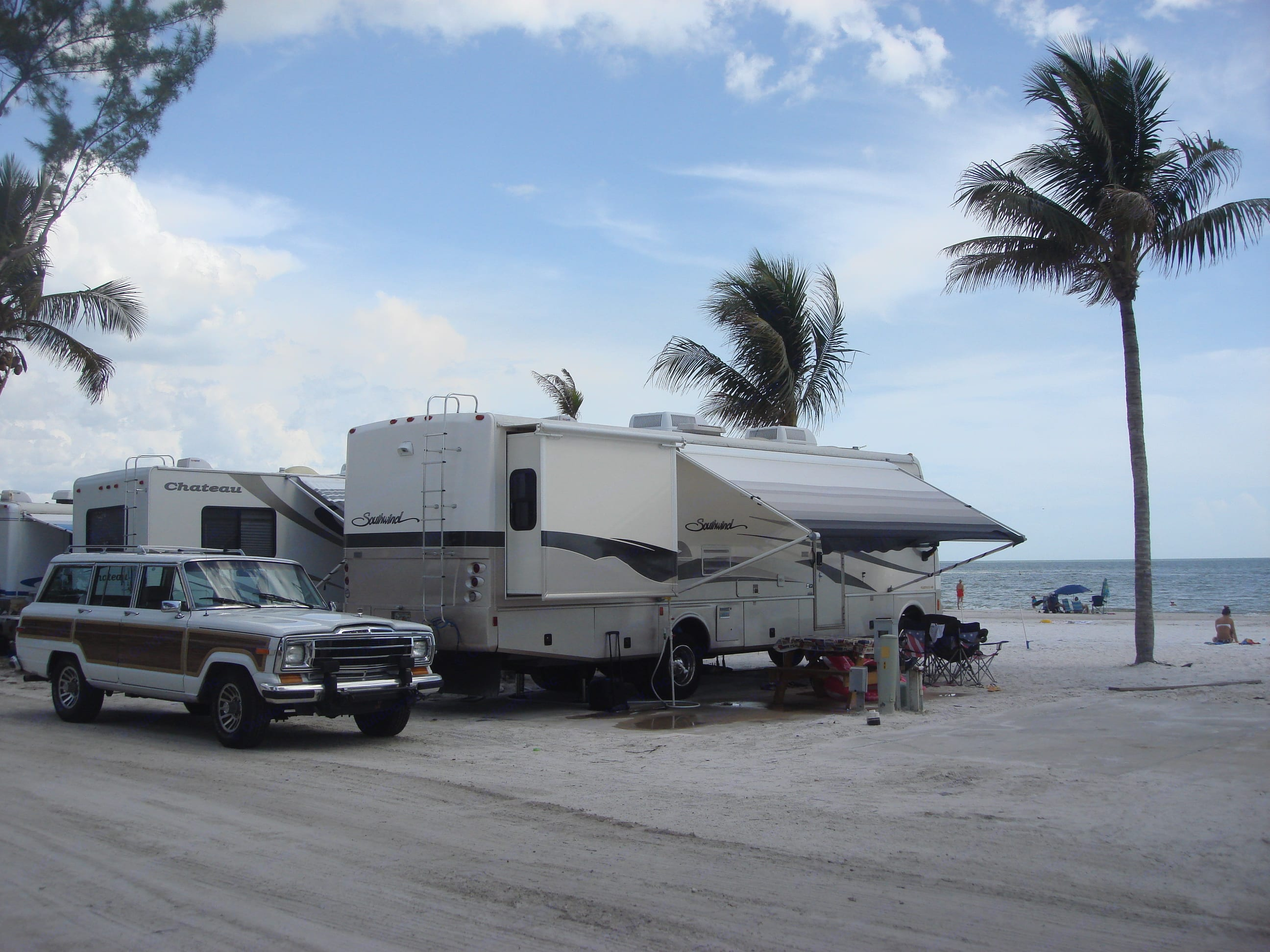 beach front property. Fleetwood Southwind 2003