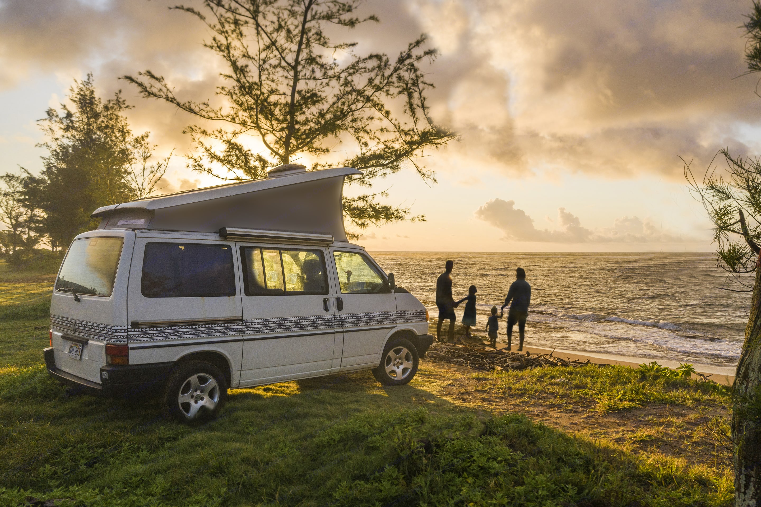 Bring the family closer together on a Camper vacation in Hawaii.. Volkswagen Westfalia 1992