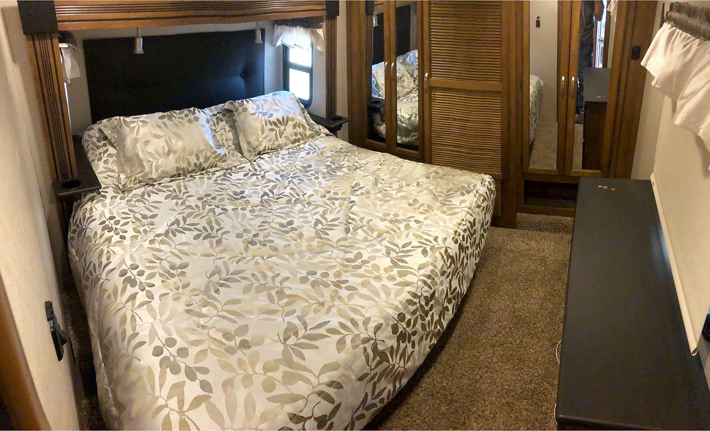 Master Bedroom. Coachmen Chaparral 2017