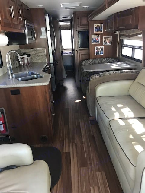 Motorhome with slides in from the front. Forest River Georgetown 2015