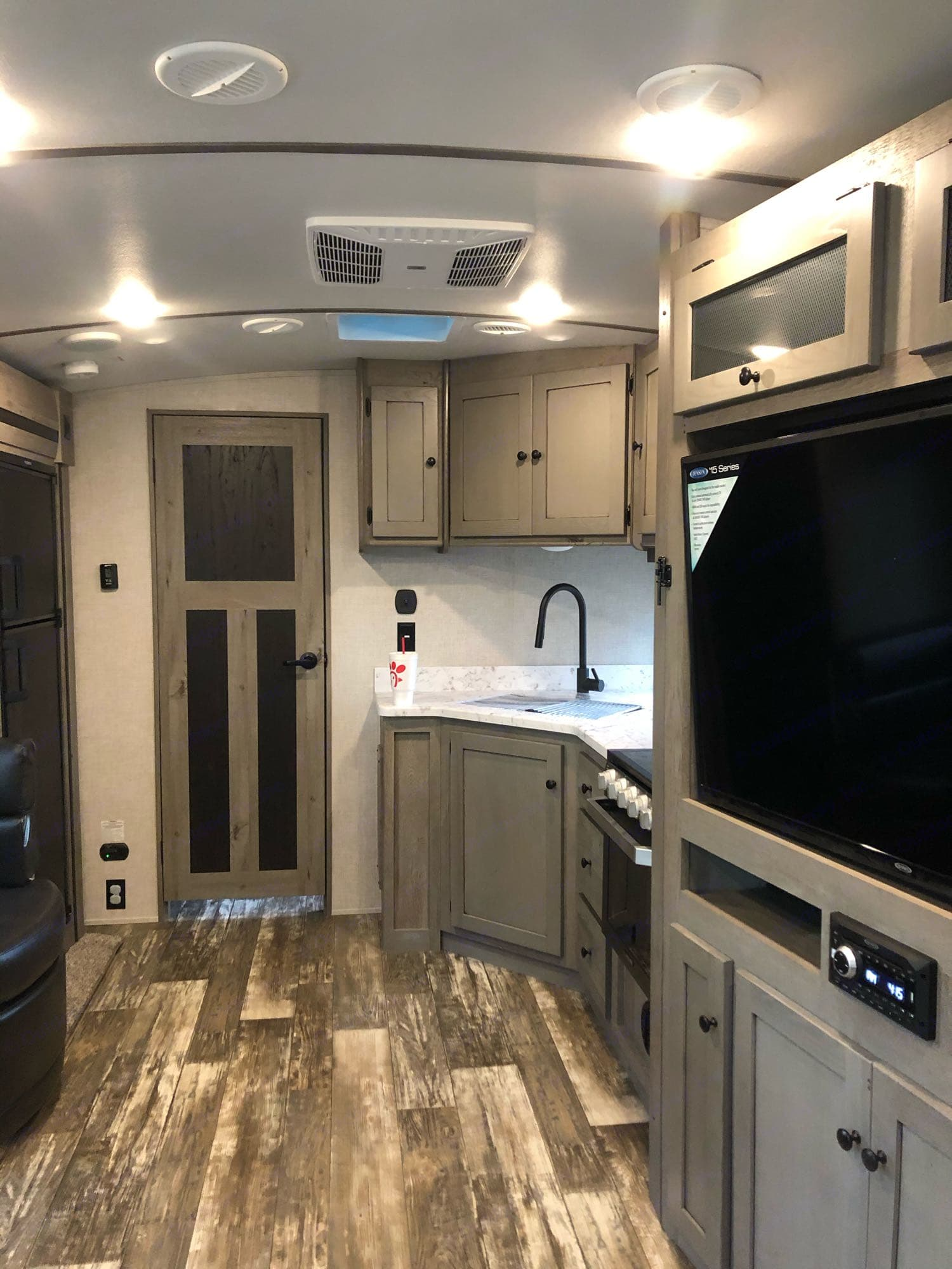 Great kitchen with all utensil pots and pan servings for four.. Keystone Outback 2020