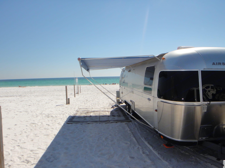 Camp Gulf Destin FL. Airstream Classic Limited 2009
