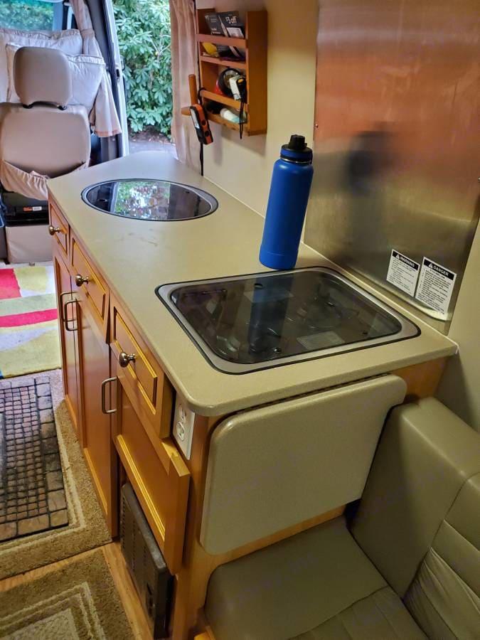 Kitchen Sink and Grill. Leisure Travel Free Spirit 2007