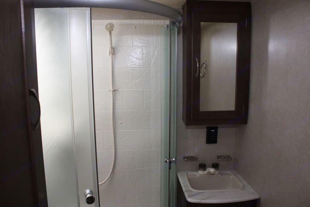 Shower. Palomino Puma 2018
