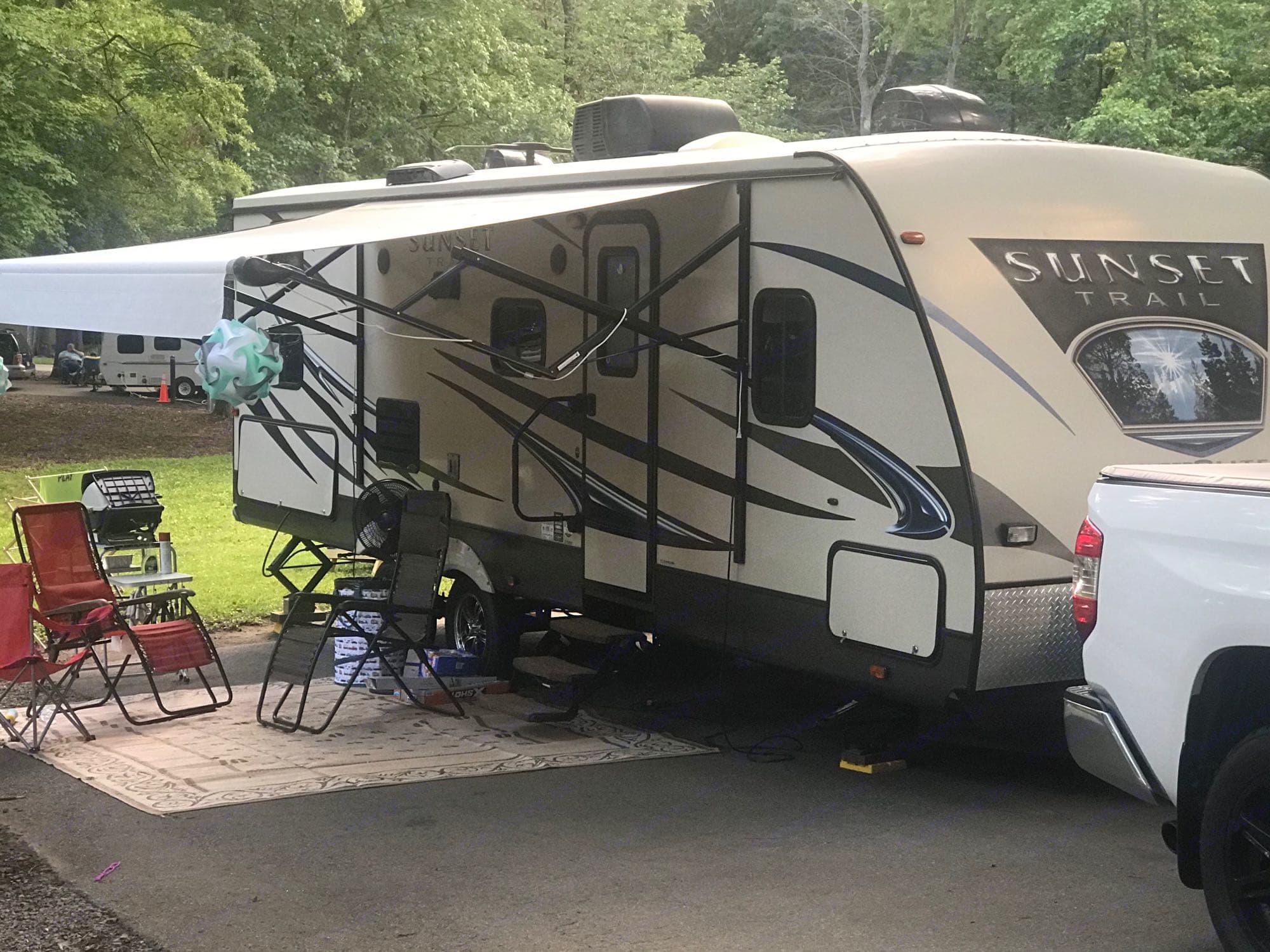Campsite Setup. Crossroads Sunset Trail Super Lite 2015