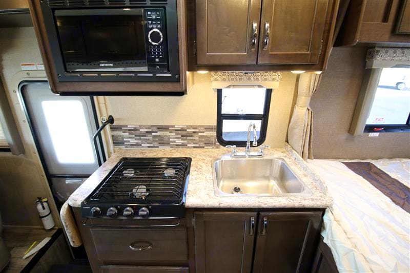 Full Service Kitchen. Thor Motor Coach Four Winds 2019