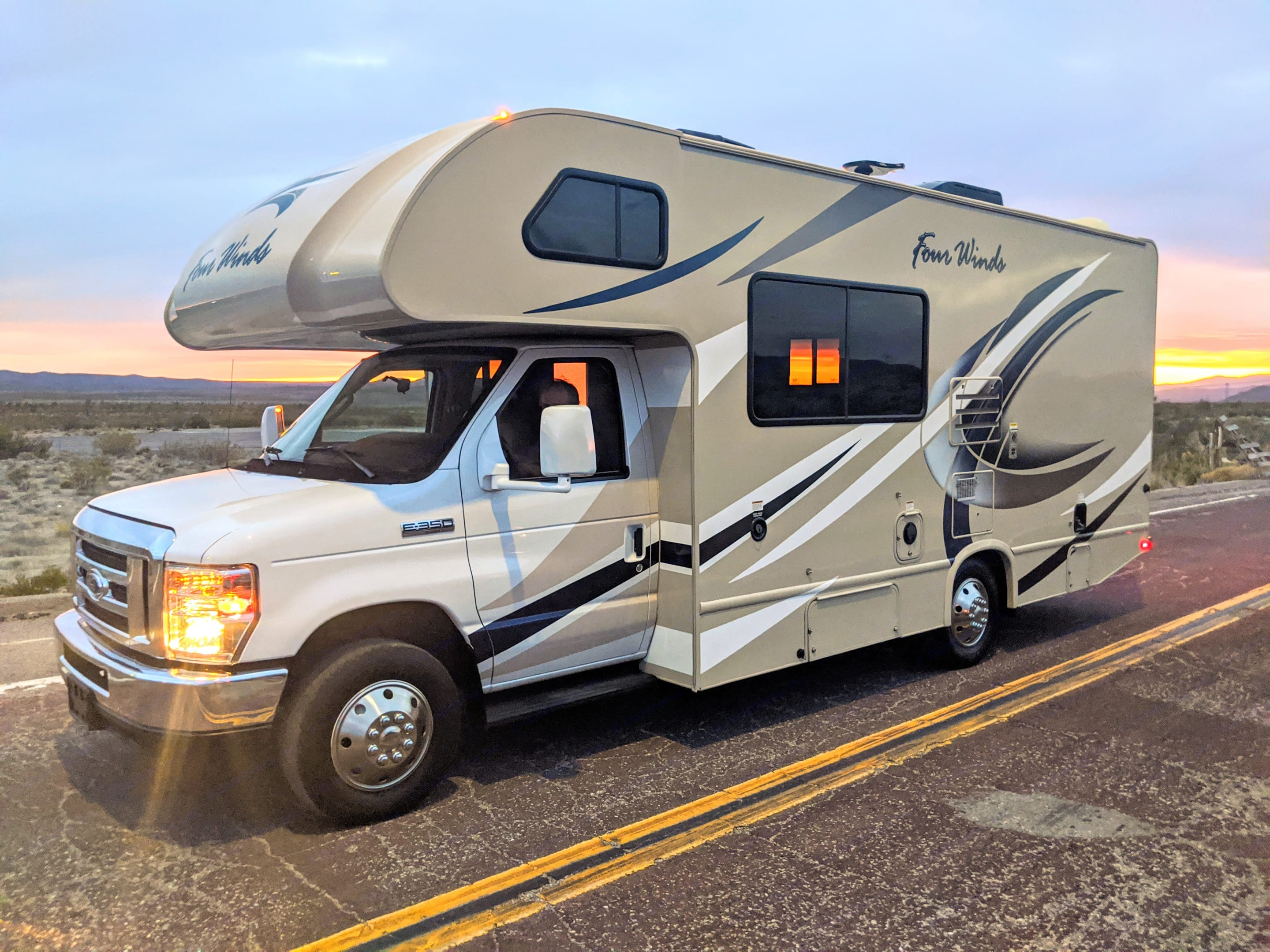 23' easy to drive. Thor Motor Coach Four Winds 2019