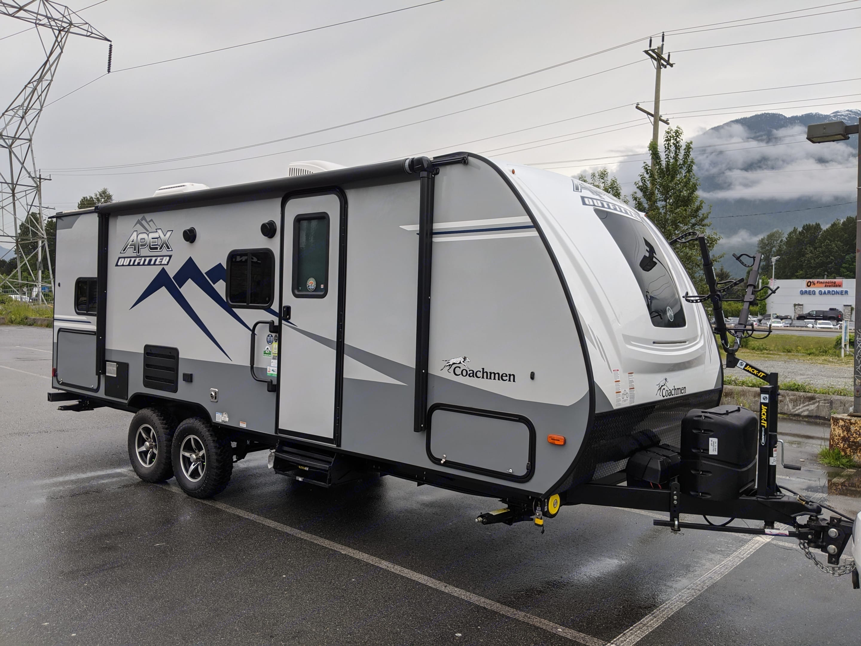 Apex Outfitter 208 BHS. Coachmen Apex 2021