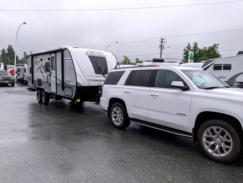 Entrance. Towable with SUV. Coachmen Apex 2021
