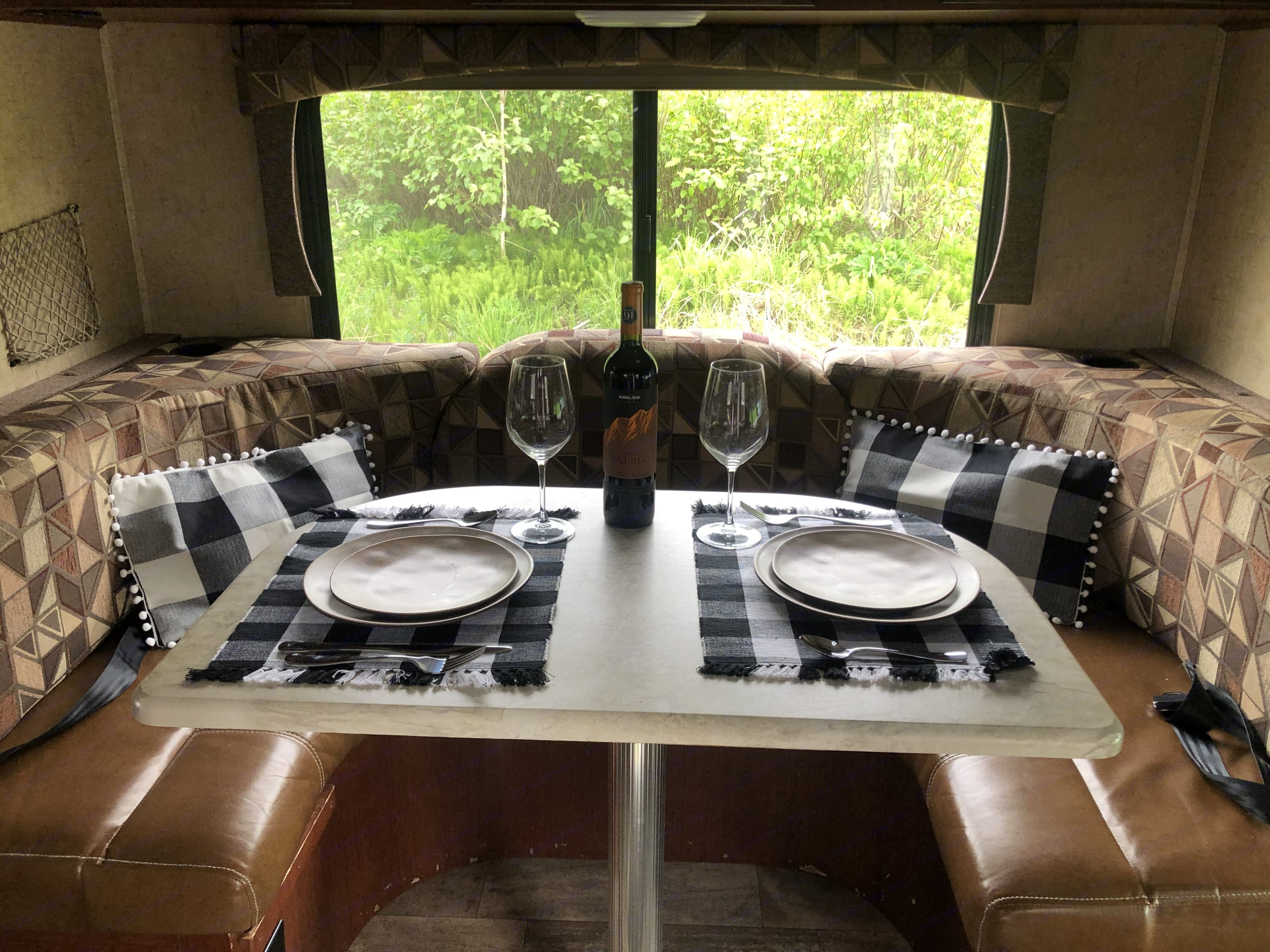 Dining Area - converts to bed. Forest River Sunseeker 2016
