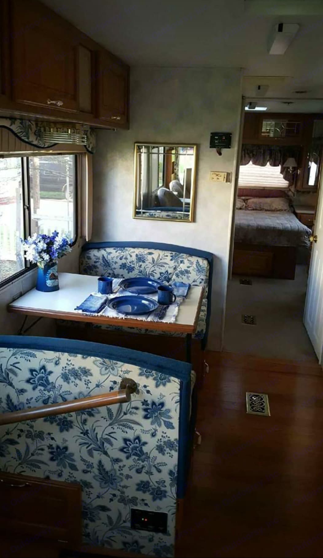 Thor Motor Coach Four Winds Infinity 1997