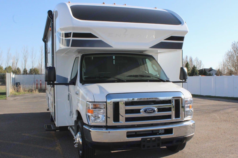 Entegra Coach Odyssey 24B 2020