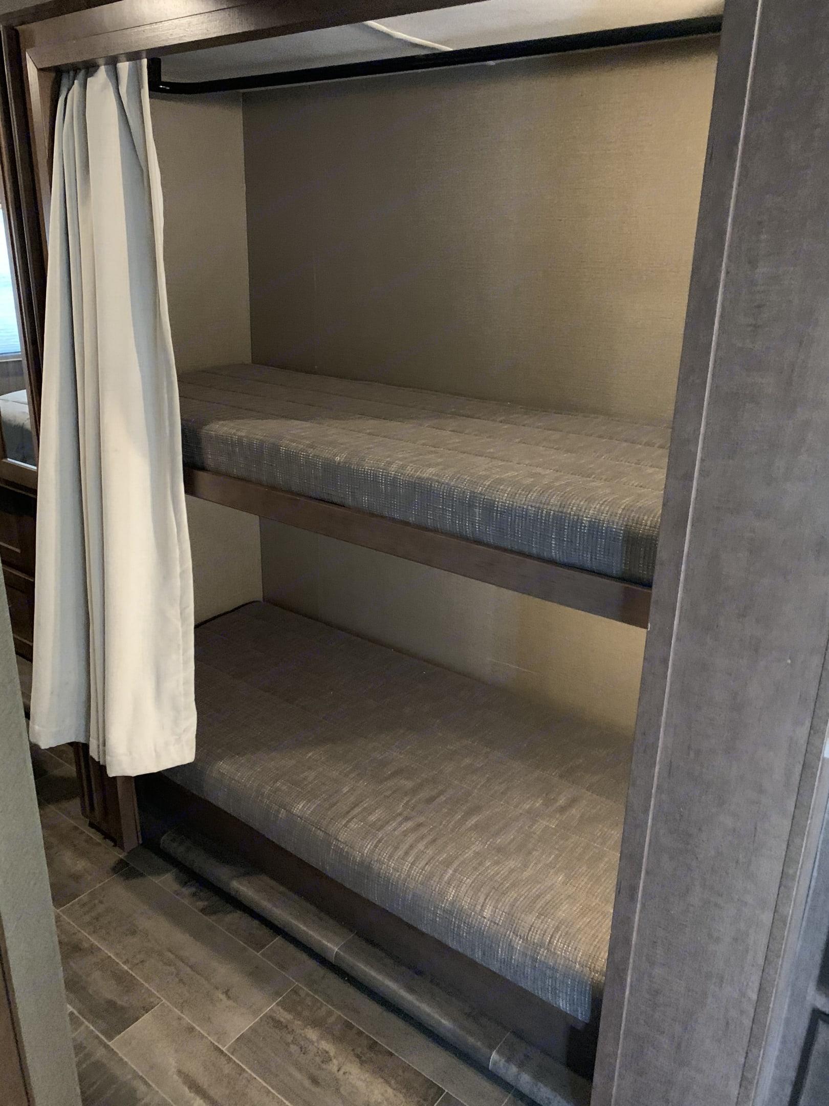Bunk Beds. Winnebago Winnebago 2018