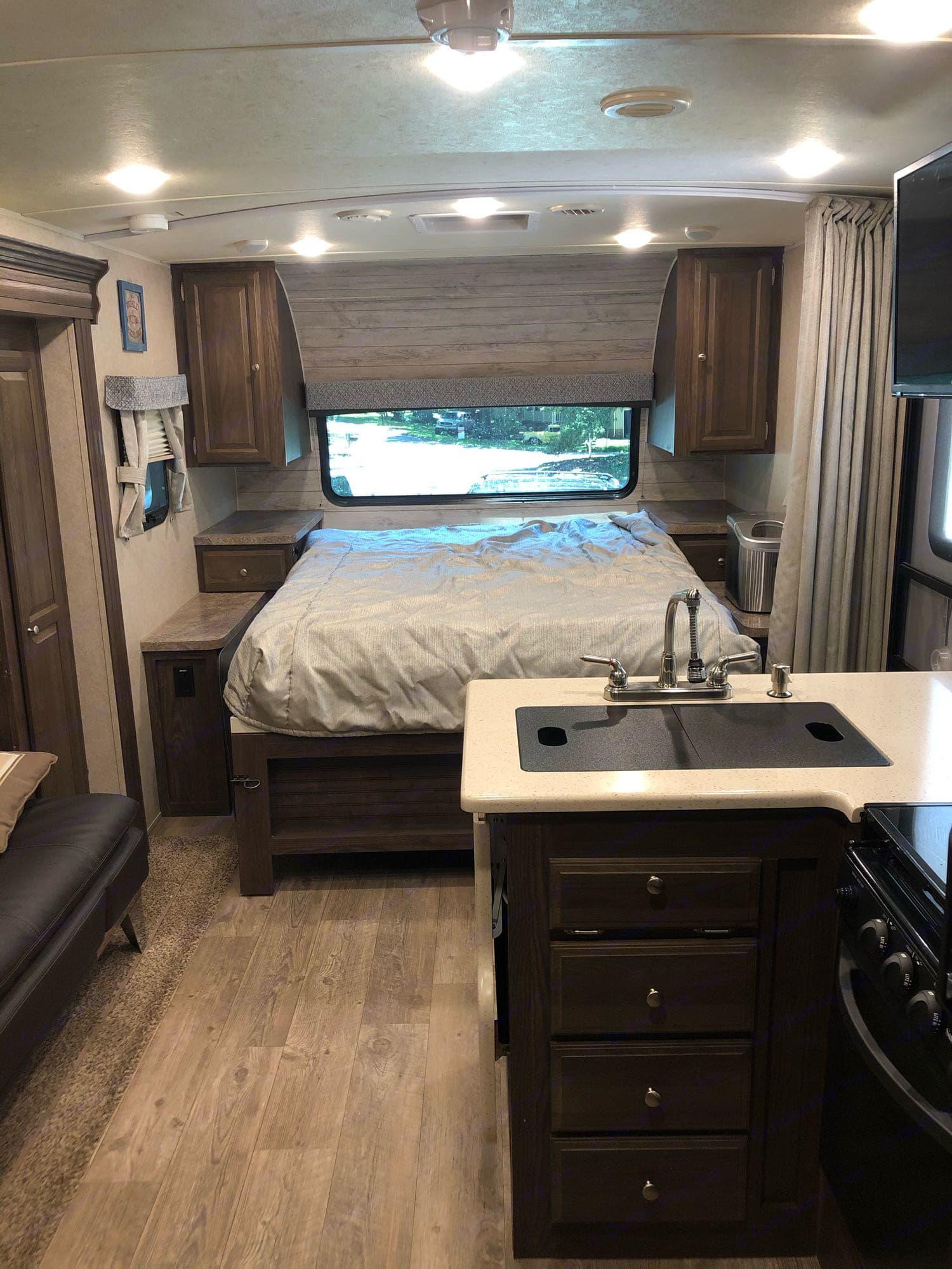 Murphy bed - down. Forest River Rockwood Mini Lite 2018