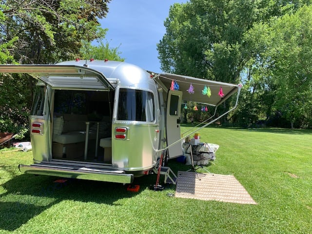 Outside view. Airstream Flying Cloud 2020