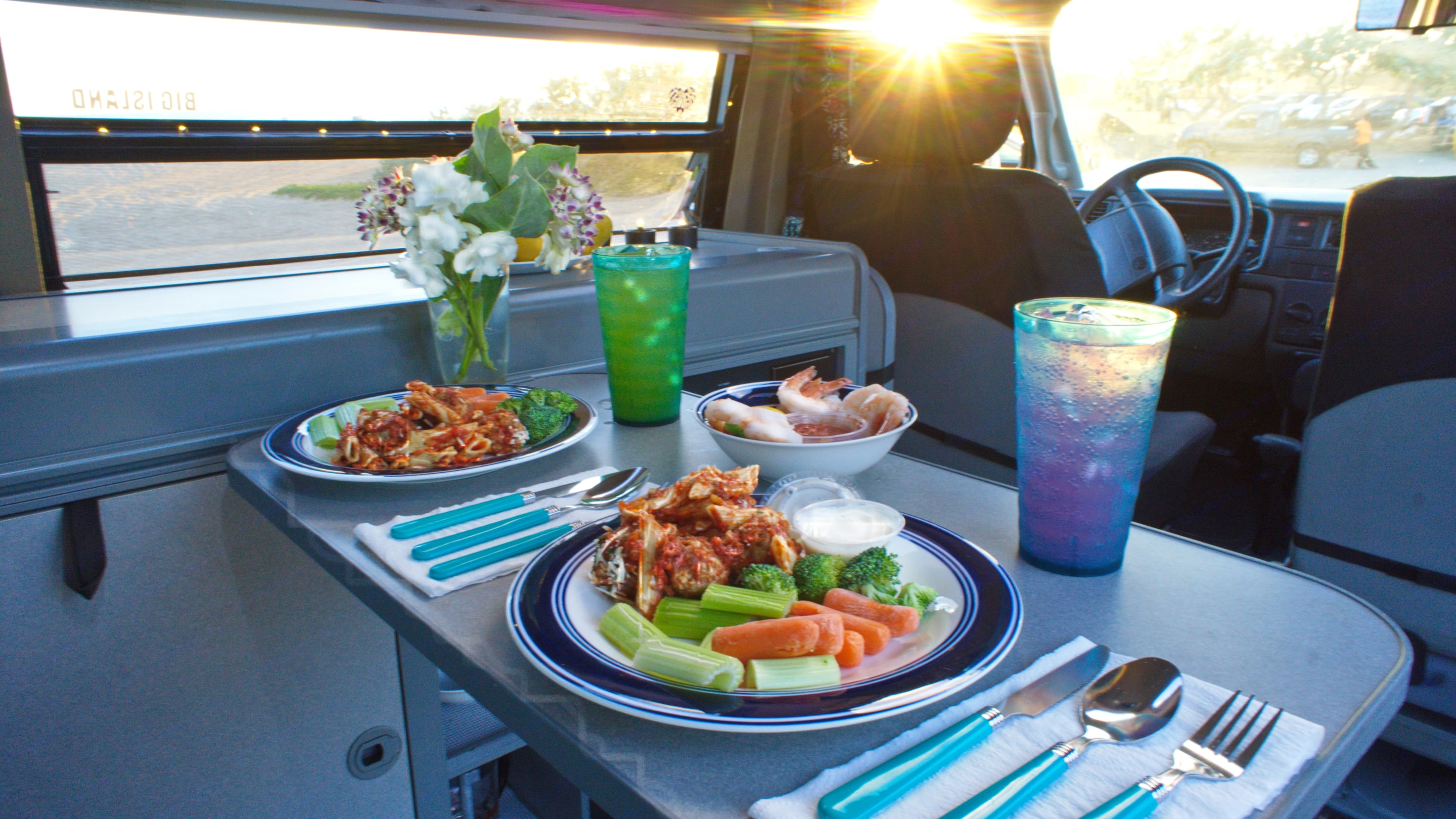 Dine in or out.. Volkswagen Westfalia 1992