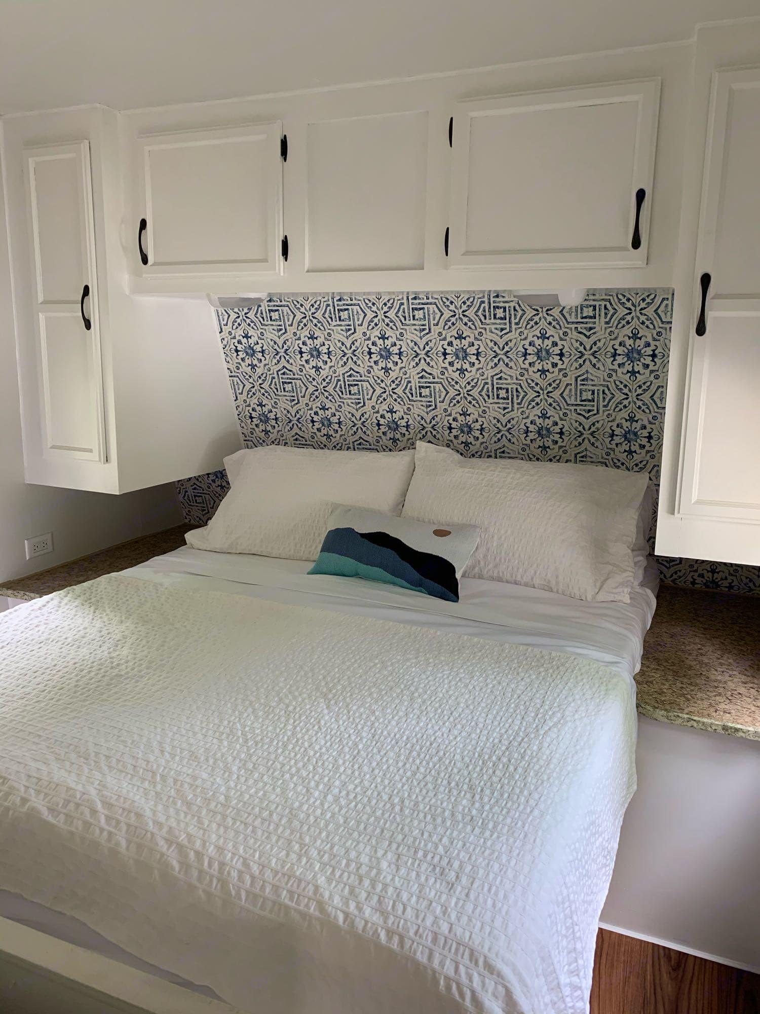 Queen sized bed.  New Memory foam mattress.. Jayco Flight 2008