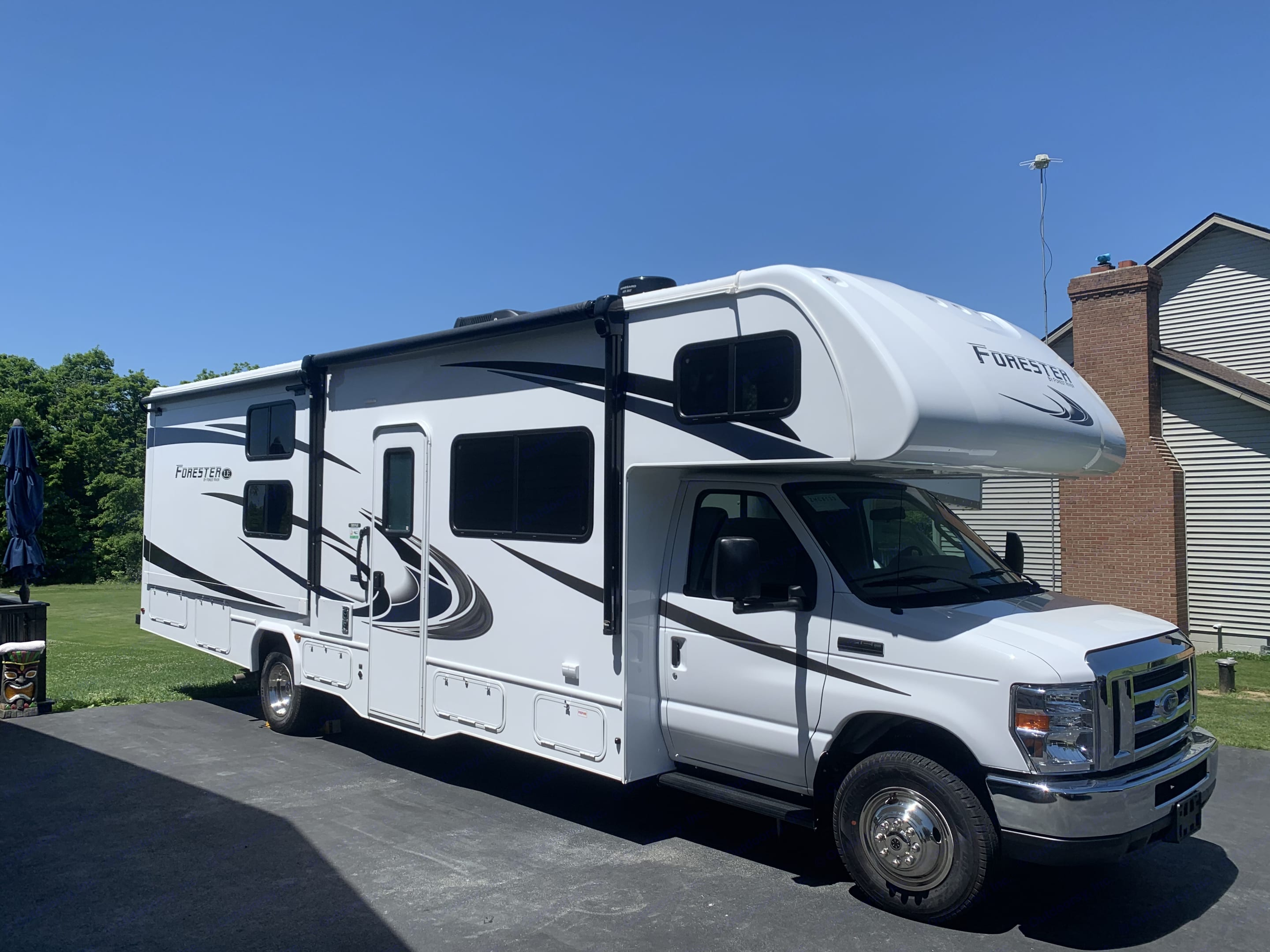 2020 with very low miles.. Forest River Forester 32dsle 2020
