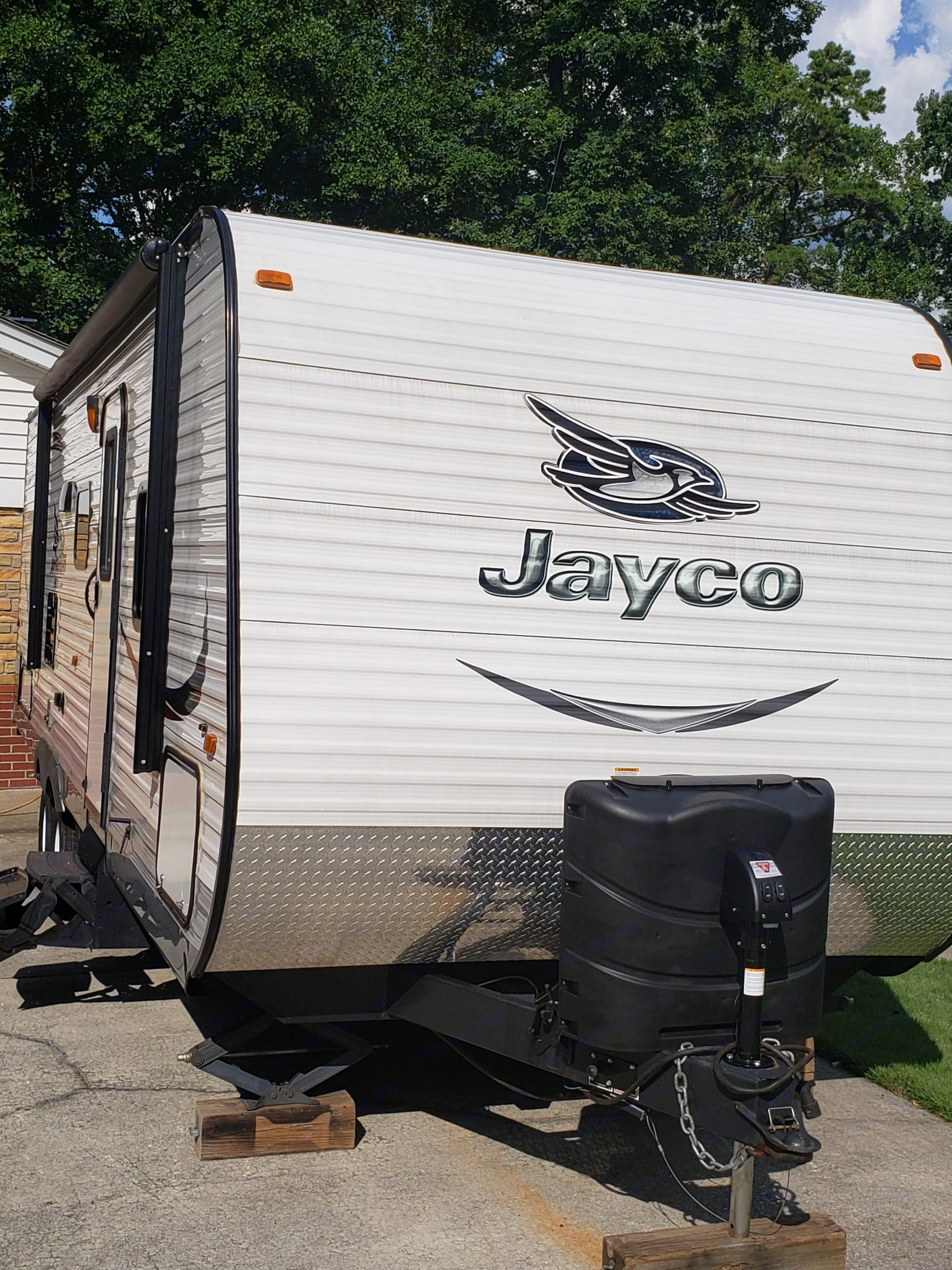 Front view. Jayco Flight 2015