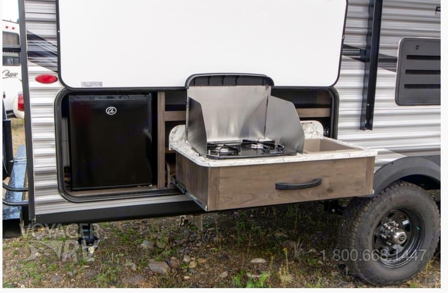 Additional outdoor kitchen is fantastic!. Jayco Jay Flight 2020