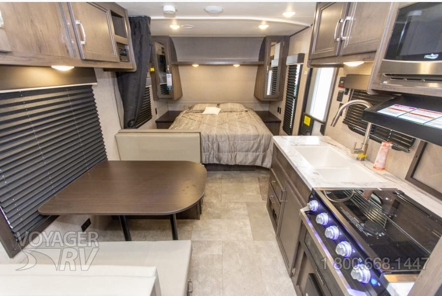 Nice layout with queen bed, dinette that folds into another bed and two double bunks!. Jayco Jay Flight 2020