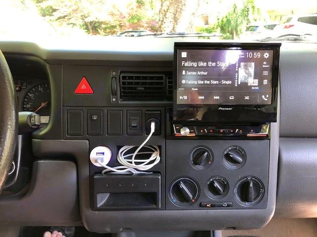 Enjoy the newly installed Bluetooth system!. Volkswagen Eurovan Camper 2000