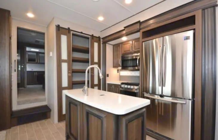 Kitchen View. Keystone Avalanche 2019