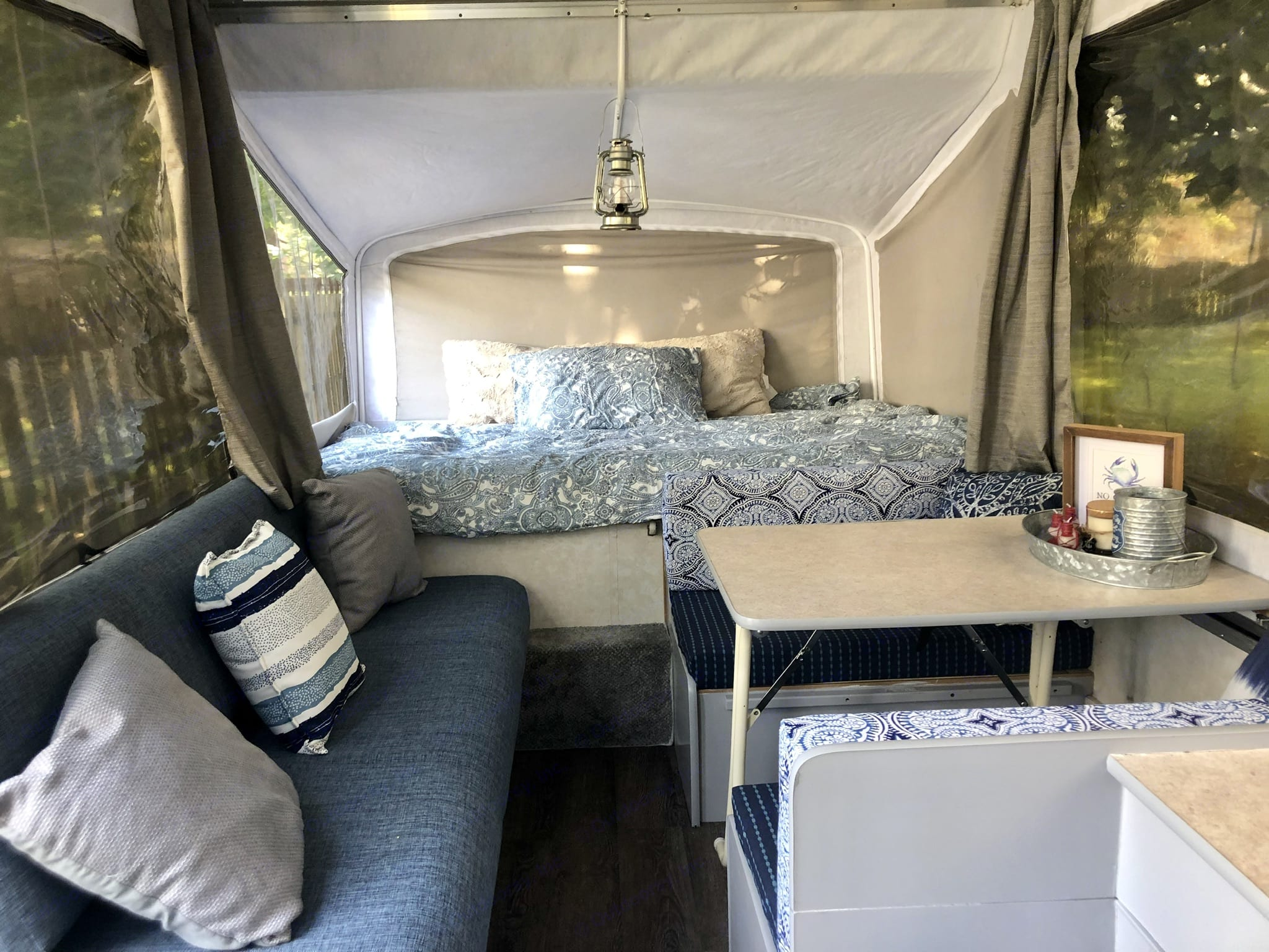 Full bunk (linens not included). Aerolite Other 2002