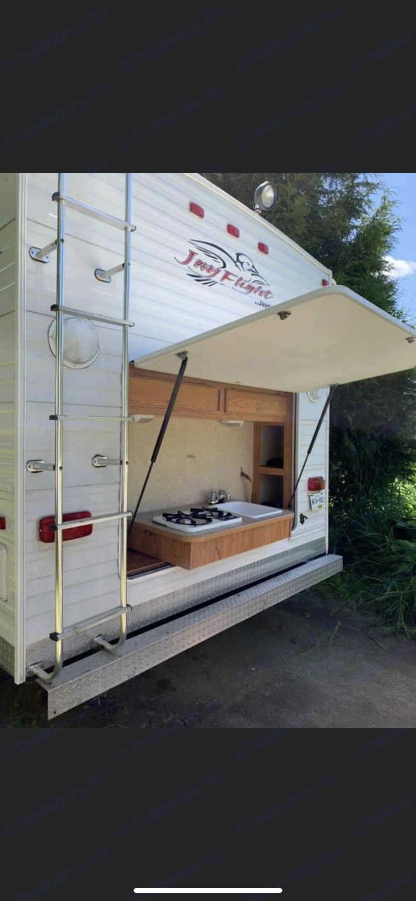 Outdoor propane stove and sink. Jayco Jay Flight 2005