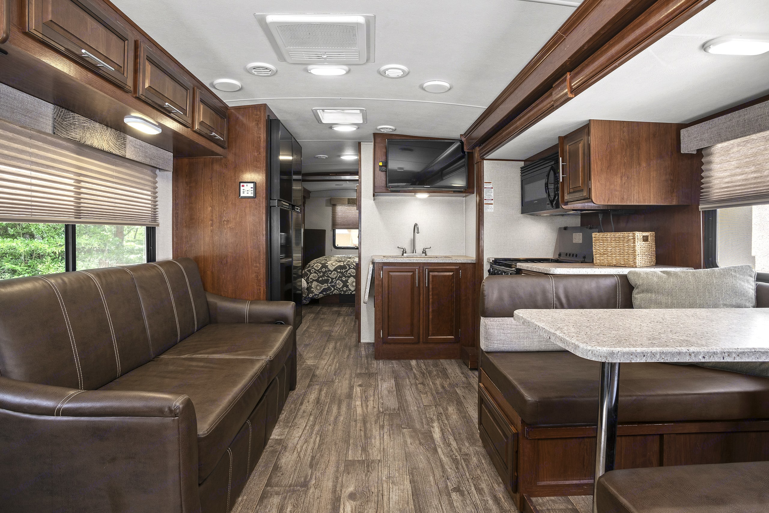 queen sofa bed and full dinette bed. Forest River Fr3 2017