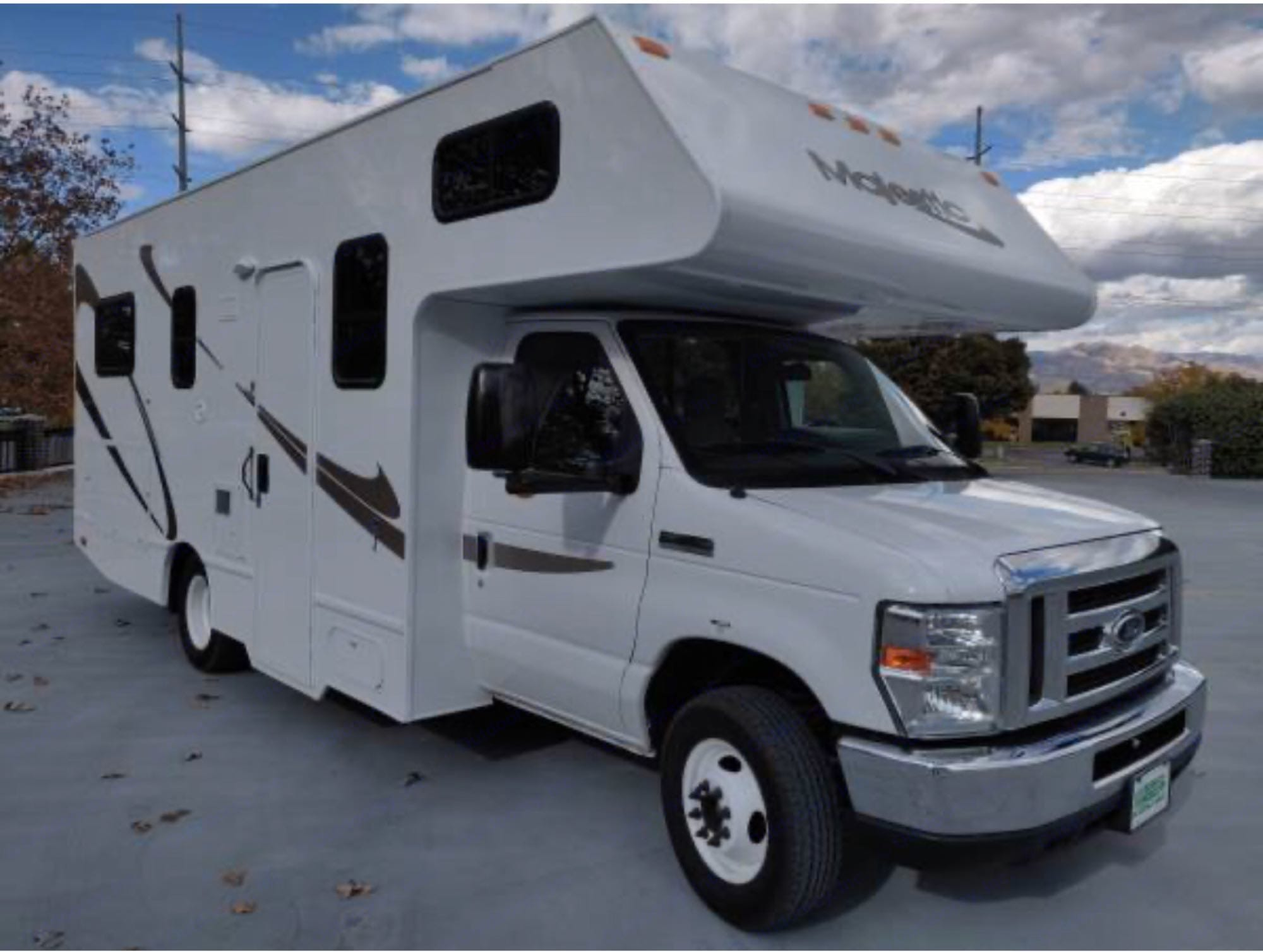 Ford Majestic 23a 2016