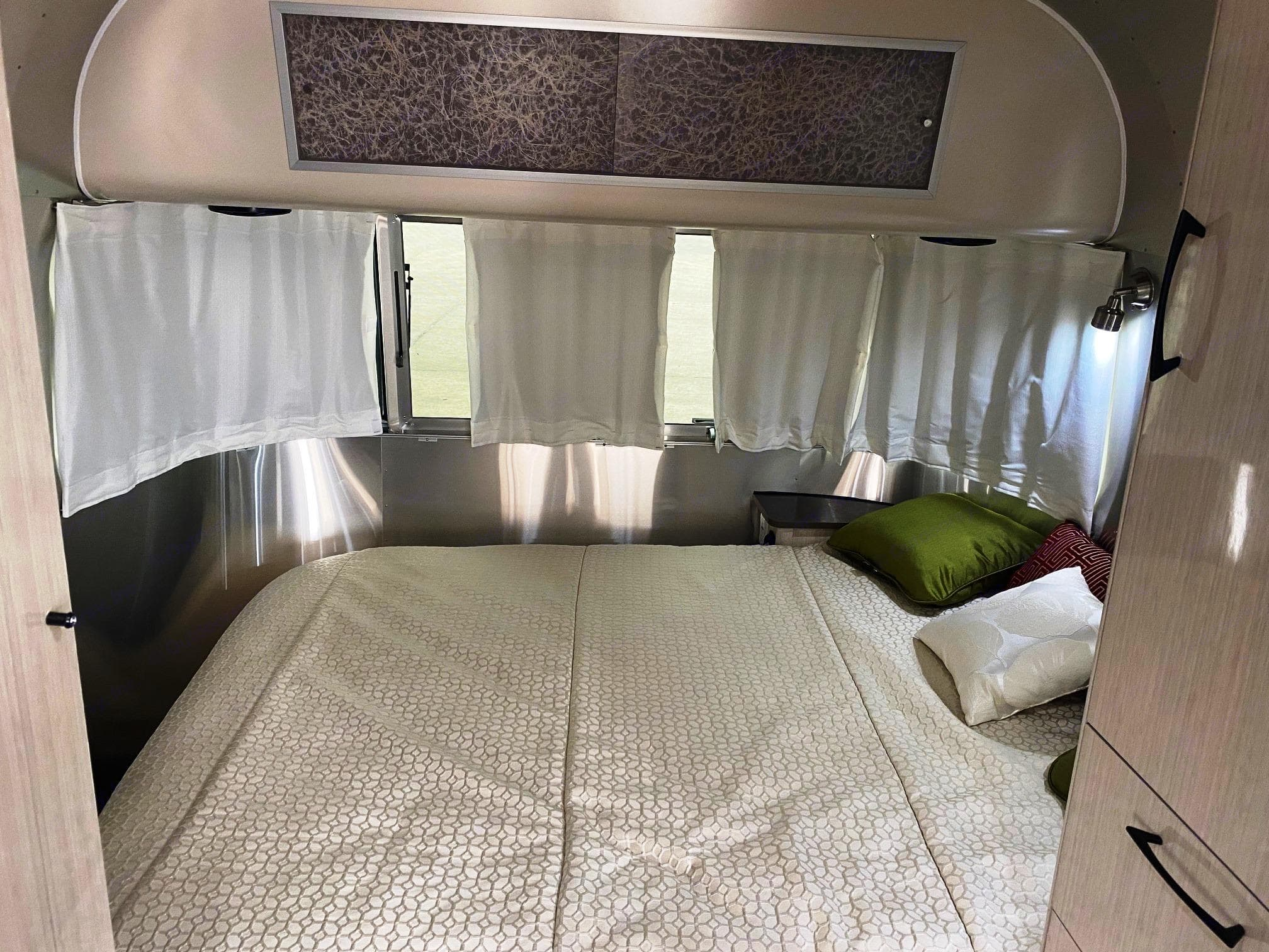 Airstream International Serenity 2019