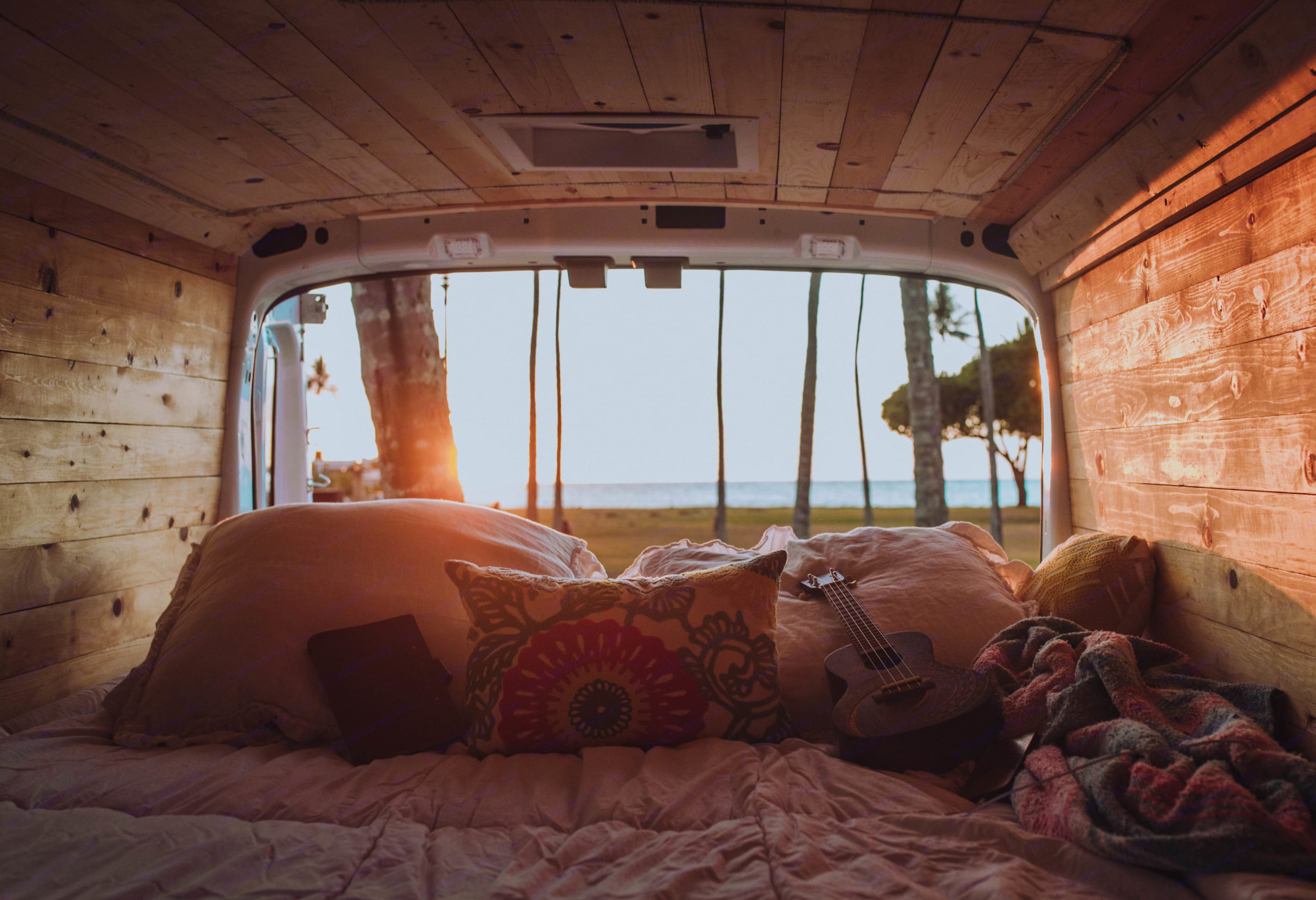 This queen size mattress with ensure for the best night sleep after a day of adventure. Ford Transit 2020