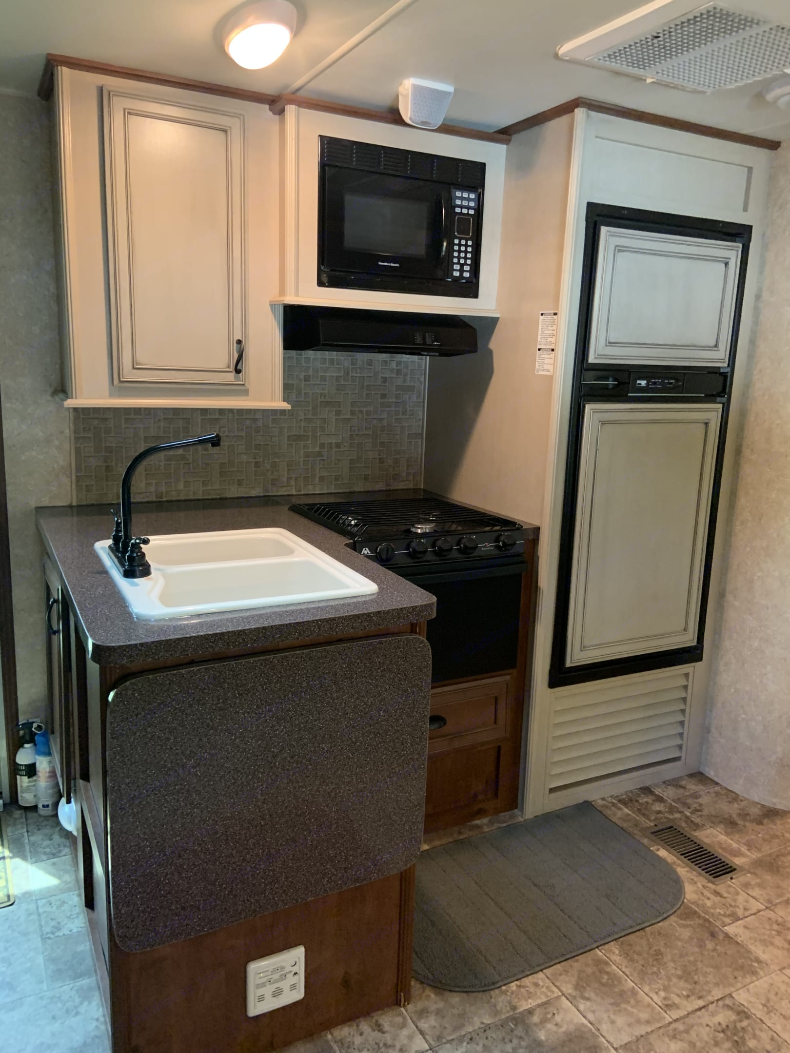 Kitchen. Open Range Roamer 2012