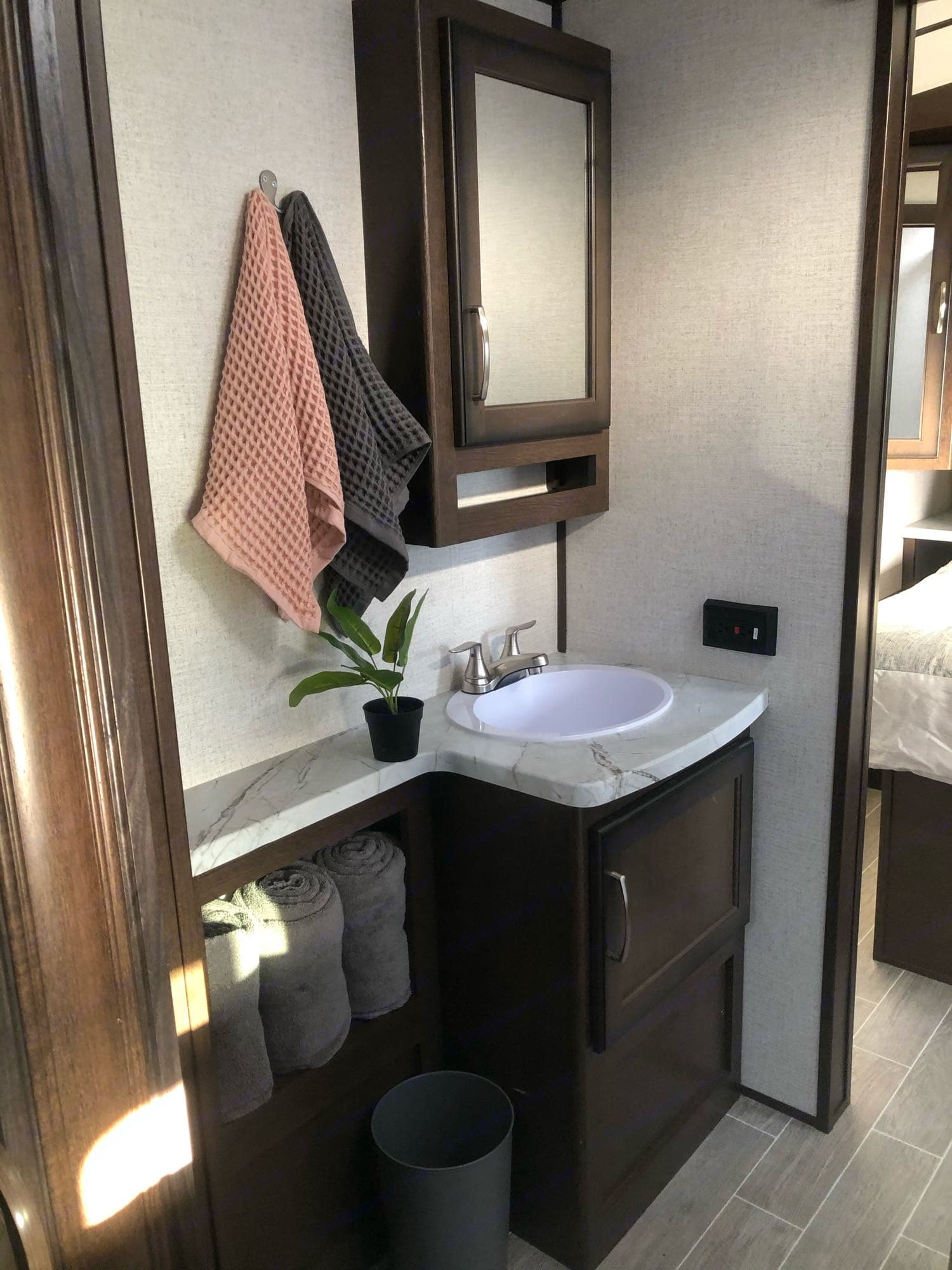 Bathroom sink. Dutchmen Other 2020