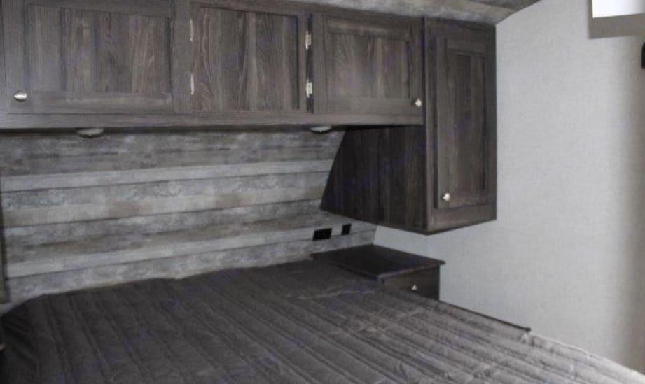 Separate bedroom, extra door and extra closet. Starcraft Starlite 2020
