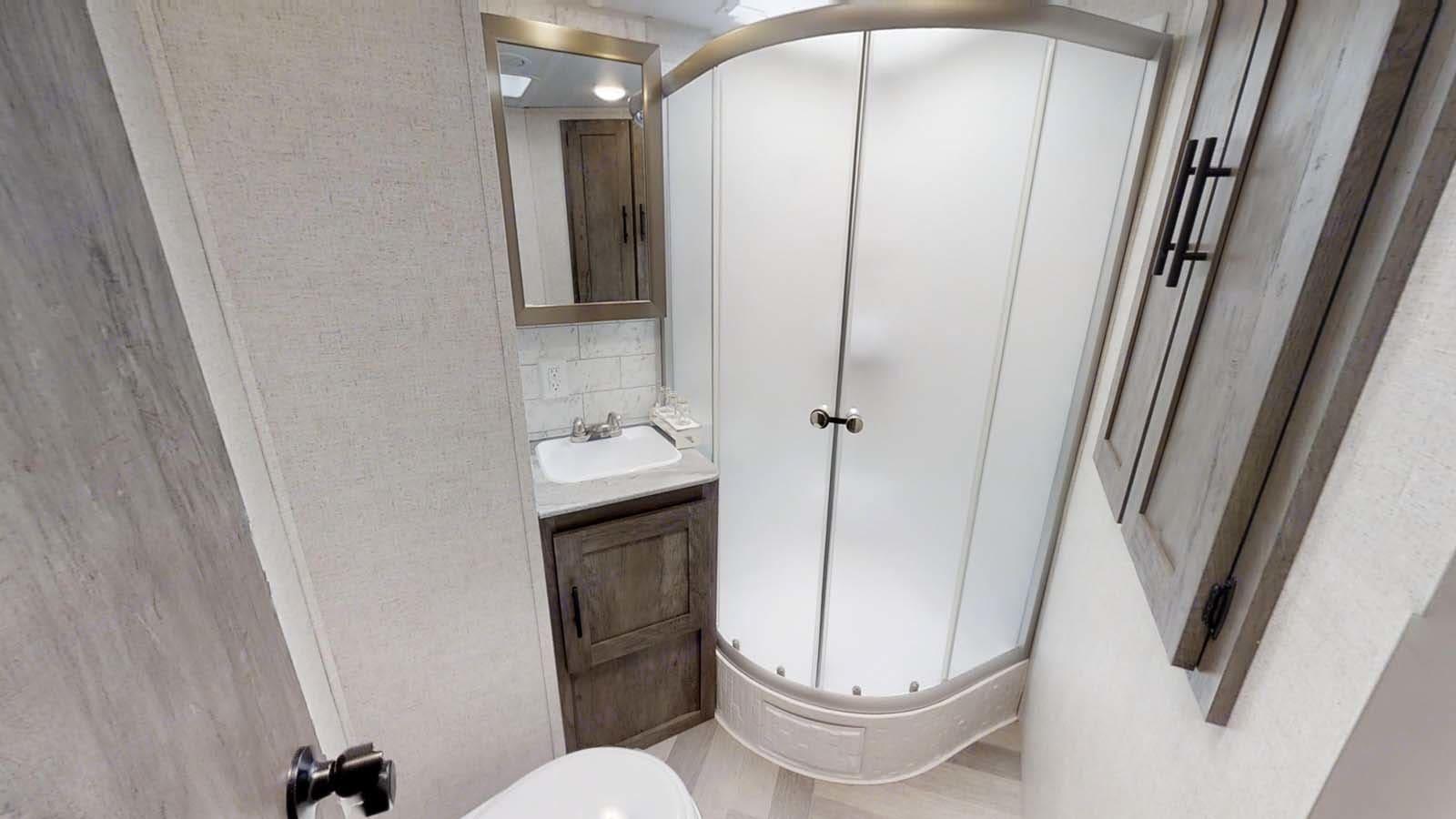 Bathroom. Forest River Salem 2020