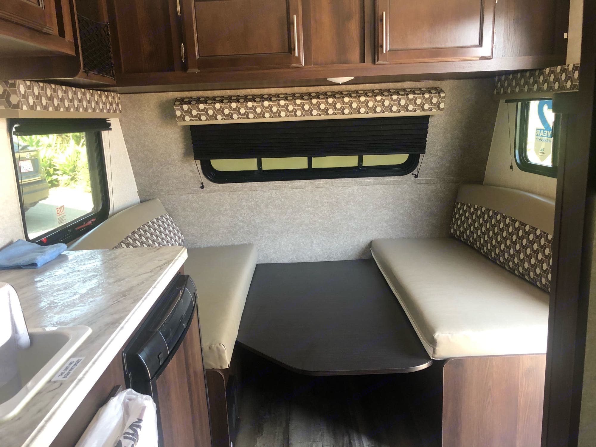 the dinning table and sofa converts to a queen bed that sleeps two. Jayco Jay Flight SLX7 154BH 2020