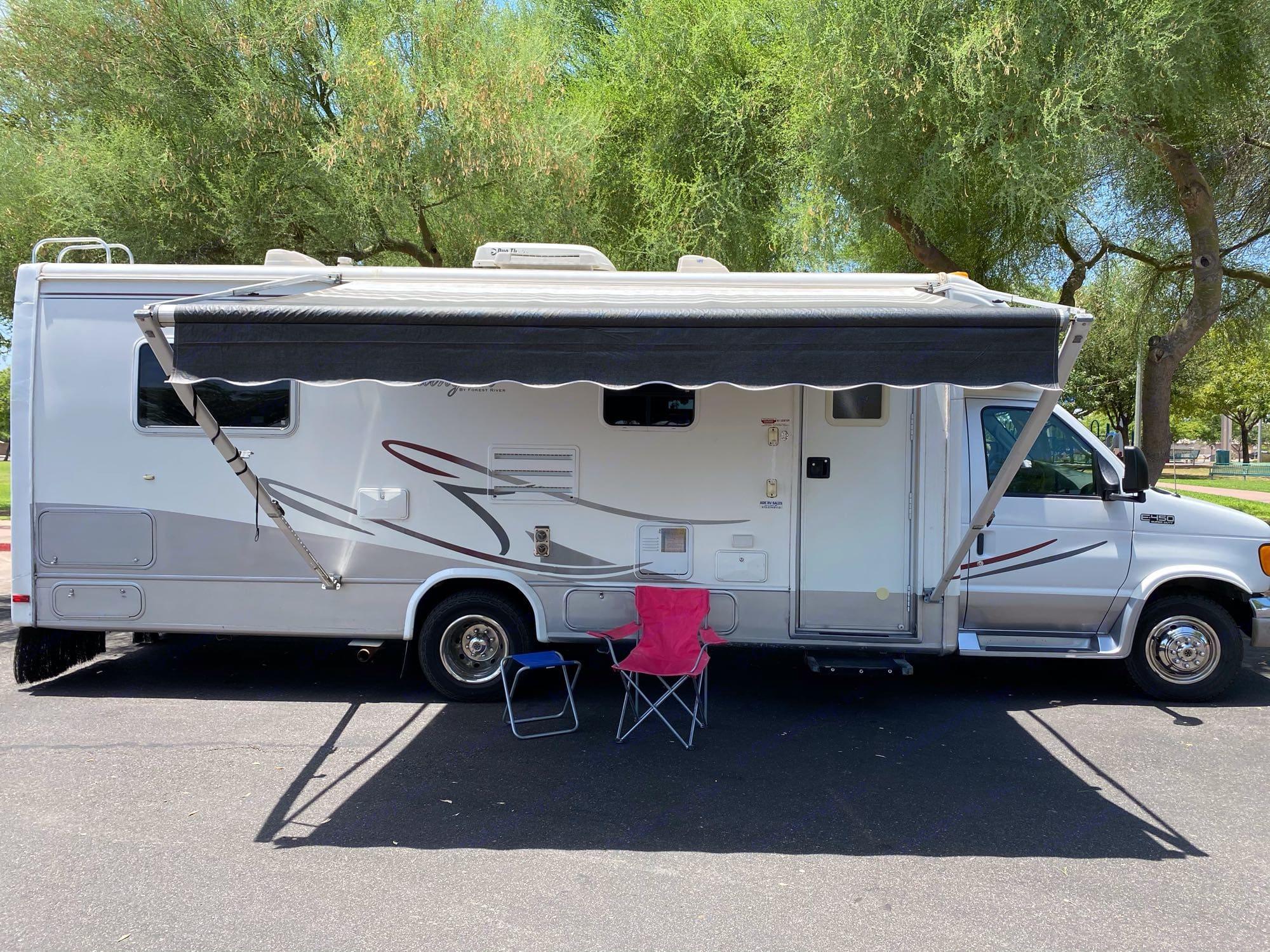 B+ RV camper van - LEXIE - easy to drive & park. Forest River Lexington 2004