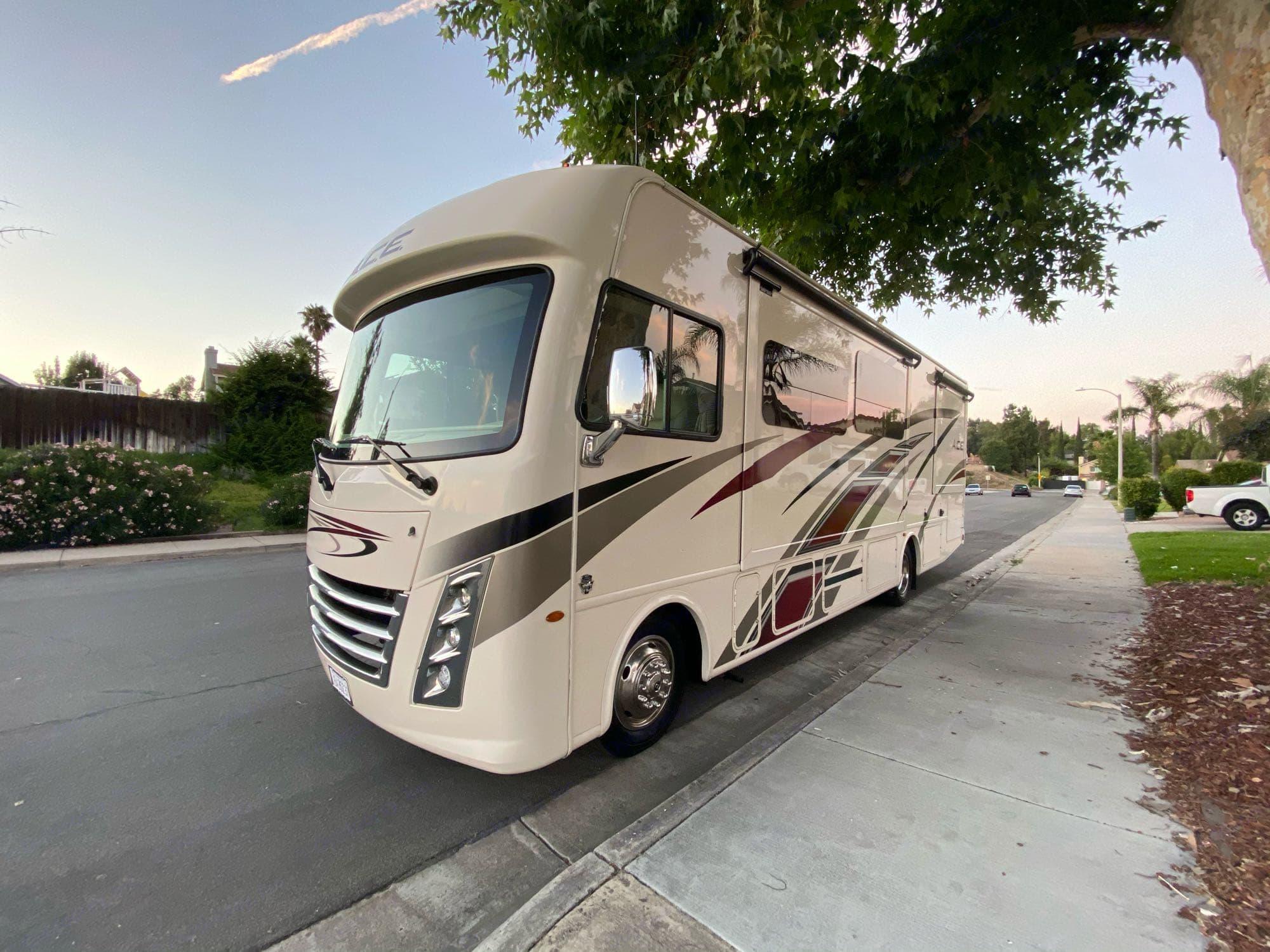 RV Exterior. Thor Motor Coach A.C.E 2020