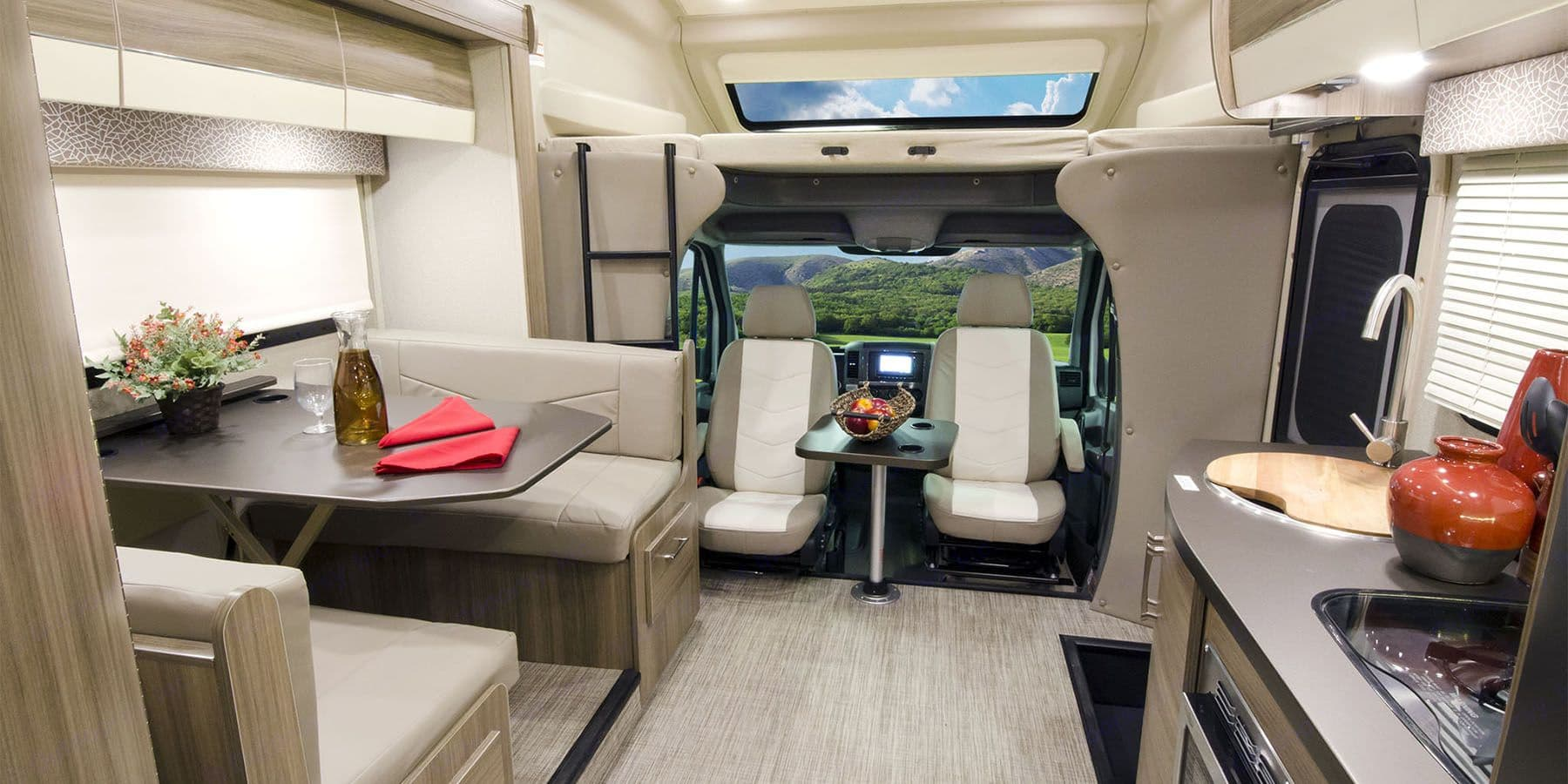 Luxurious living for up to 6 people.. Jayco Melbourne 2018