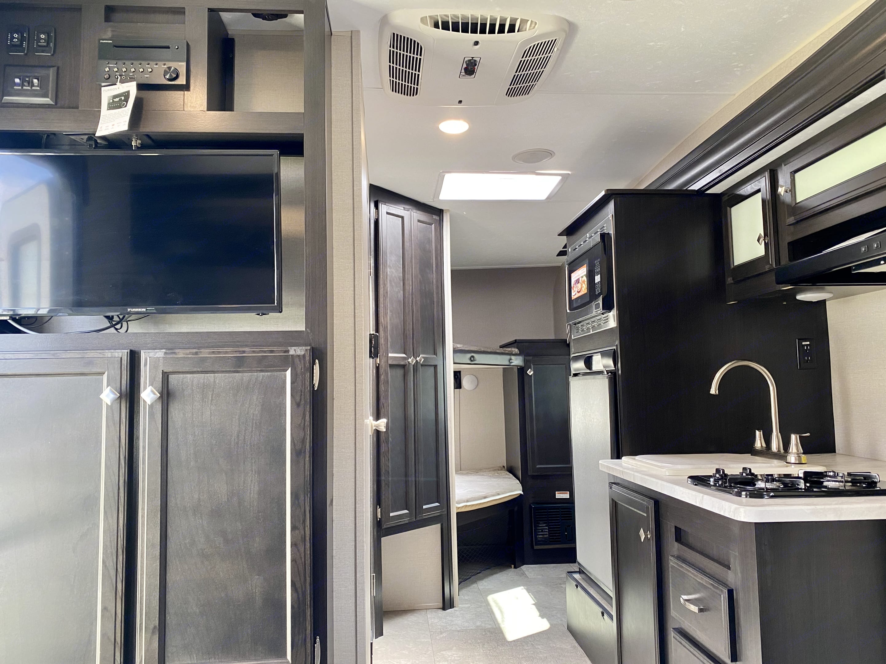 Another view from the dinette.. Venture Rv Sonic 2018